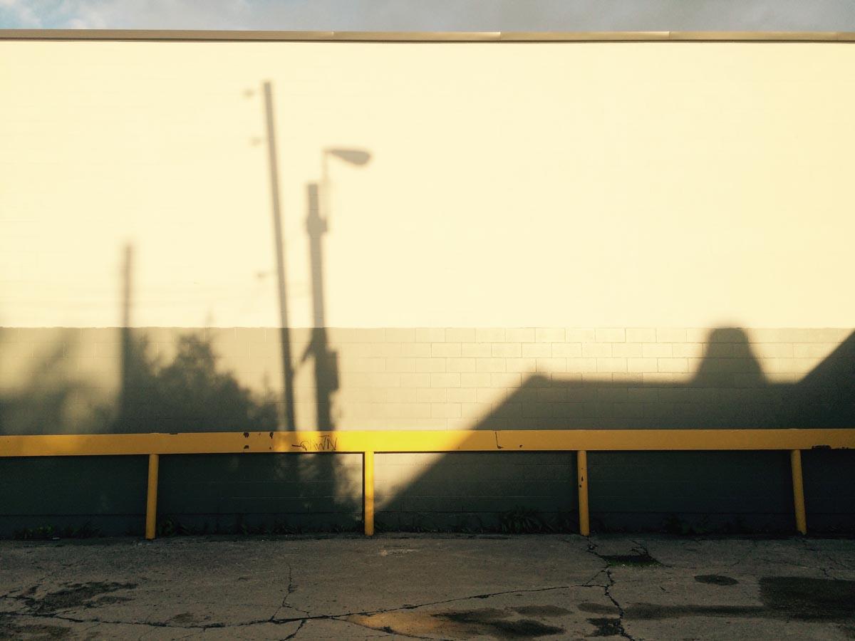 ombres-avec-ciel-a-larriere-du-canadian-tire-28-mai-2015-internet